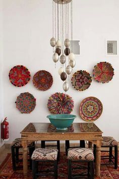 Dining rooms don't have to be formal or stuffy. We're all about a boho chic dining space, too! Check out these 40 dining rooms that master boho interior design. For more dining room design ideas, go to Domino! Bohemian Interior, Bohemian Decor, Boho Chic, Boho Style, Indian Interior Design, African Interior, Nordic Interior, Bohemian Living, Modern Bohemian