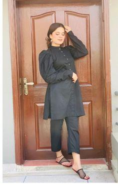 Girls Dresses Sewing, Stylish Dresses For Girls, Girls Dress Up, Pakistani Fashion Party Wear, Pakistani Wedding Outfits, Indian Fashion, Fancy Dress Design, Stylish Dress Designs, Simple Pakistani Dresses