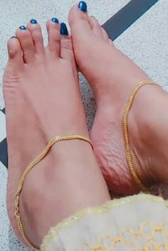 In this video, we will show you the latest trendy women's ankle bracelets, foot jewelry, anklets, toe rings & more. Find out the perfect foot jewelry for you. Gold Anklet, Silver Anklets, Women's Anklets, Ankle Jewelry, Ankle Bracelets, Foot Bracelet, Leg Chain, Gold Jhumka Earrings, Anklet Designs