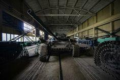 В сети появился впечатляющий фоторепортаж, сделанный на территории Львовского бронетанкового завода.