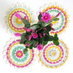 buenas lecturas: mi Spring Fling Mandala de la flor de ganchillo regalos + un sorteo | Emma Cordero