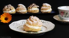 Profiteroles, Food And Drinks, Profiteroles. Mayweather Vs Mcgregor, Macarons, Cupcakes, Profiteroles, Chip Cookies, Food And Drink, Sweets, Drinks, Breakfast