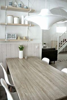 Bloggari tykkää: HASLE ruokapöytä ja ihana TINO vaasi - With All My Love: Keittiössä kevättä rinnassa