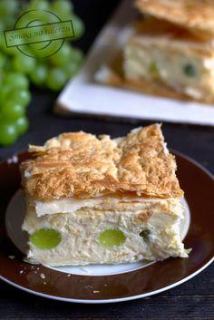 Napoleonka z winogronami – Smaki na talerzu Rum, Sandwiches, Food, Roll Up Sandwiches, Meal, Essen, Hoods, Paninis, Meals