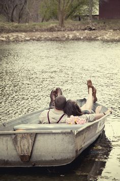 cute rowboat engagement picture