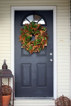 I WANT THIS on my door by august!!! :) Sweet Something Designs: Magnolia Leaf Wreath (A Tutorial)