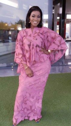 Long African Dresses, Latest African Fashion Dresses, African Print Dresses, African Print Fashion, African Print Dress Designs, Lace Dress Styles, Mode Top, African Traditional Dresses, African Attire