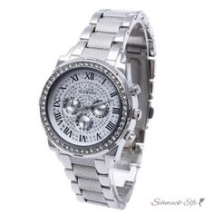 Damen Edelstahl Armbanduhr Silber Strass   GLAM QUEEN                      Diese schöne Damenuhrzeichnet sichdurch eine elegante Optik und sehr gute Verarbeitung aus. Mit hoher Genauigkeit lässt sie in dieser Preisklasse keine Wünsche offen. Das Armband ist ausEdelstahl mit Legierung   hergestellt, so dass die Uhr hohen Tragekomfort gewährleistet . Ein optischer Blickfang ist das große Zifferblatt mit Strass. Lassen Sie sich diese Gelegenheit nicht versäumen!       ...