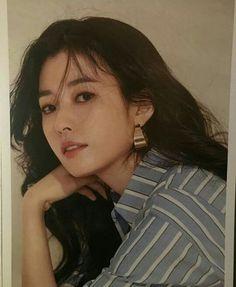 Portrait Shots, Portrait Photography, Lee Sung Kyung, Han Hyo Joo, Aesthetic People, Korean Actresses, Celebs, Celebrities, Korean Beauty