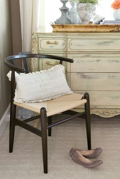 Outstanding diy french country decor are offered on our website. Country Master Bedroom, French Country Bedrooms, French Country House, French Country Decorating, French Cottage, French Farmhouse, French Decor, French Style Chairs, Savvy Southern Style