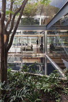 Bacopari House in Sao Paulo, Brazil by Una Arquitetos