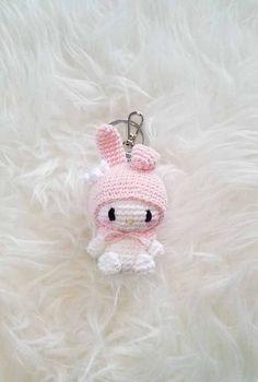 Crochet Keychain Pattern, Crochet Bunny Pattern, Crochet Amigurumi Free Patterns, Crochet Dolls, Kawaii Crochet, Cute Crochet, Easy Crochet, Diy Crochet Projects, Crochet Crafts