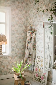 Kerala, Art Nouveau, A N Wallpaper, Light And Space, Motif Floral, Own Home, Decoration, Dahlia, Old And New