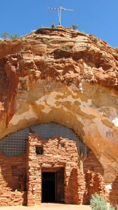 Interesting if you like collections of stuff. Not if you like adventures in a cave. ~ Moqui Cave ~ Kanab, Utah....