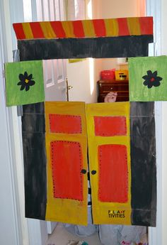 Incredibly Easy DIY Puppet Theater From Cardboard Box