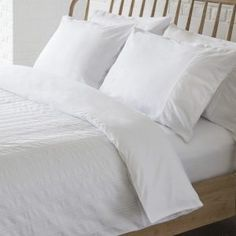Buy Gallery Direct Britta Seersucker Quilt Cover Set Single online by Gallery Direct from CFS UK at unbeatable price. Queen Size, King Size, Beds For Sale, Living Styles, Cottage Interiors, Quilt Cover Sets, Shabby Cottage, Cotton Quilts, Linen Bedding