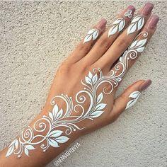 Gorgeous Henna Tattoos #polynesiantattoosdesigns