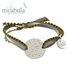 Desea #suerte a tus seres #queridos de una manera muy #original. http://www.mifabula.com/es/262-pulsera-esmeralda-cordon-goma.html
