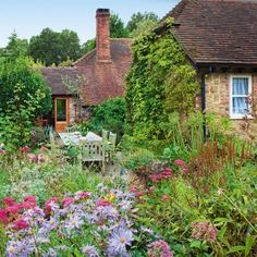 English cottage garden. I want to drink wine here...... With my mom and BFF <3