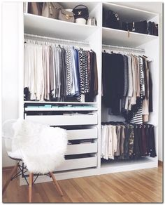 Small Bedroom Organization (72)