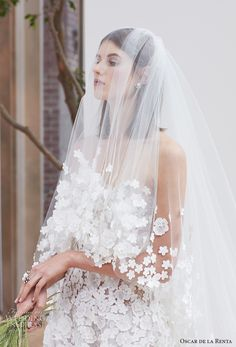 oscar de la renta spring 2018 bridal strapless sweetheart neckline heavily embellished bodice romantic a  line wedding dress chapel train (15) zv -- Oscar de la Renta Spring 2018 Wedding Dresses