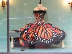 I love monarch buterflies....this is really a dream dress!