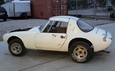 Toyotas First Sports Car: 1967 Sports 800 - http://www.barnfinds.com/1967-toyota-sports-800/