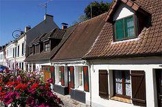 Architecture flamande, rue du Général Potez, Montreuil-sur-Mer, Nord-Pas de Calais.