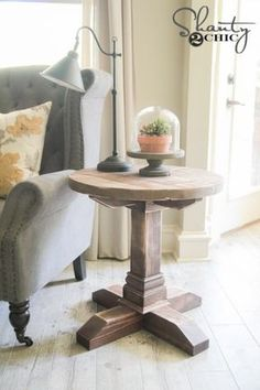 We're lovin' this chunky side table from Whitney at Shanty2Chic--yet another terrific DIY project from this duo complete with instructions and easy-to-follow visuals.