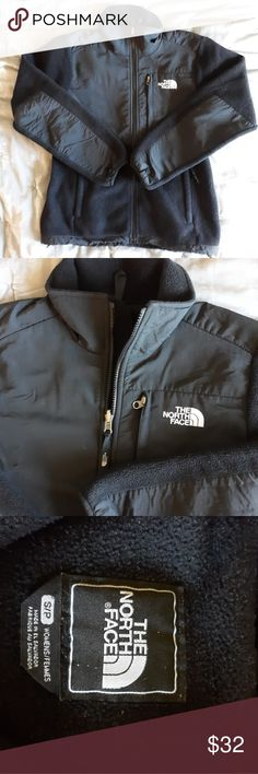 fc644ee2c4ab North Face Women s Denali Size Small Fleece Zip Zip up fleece Some wash  wear