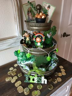 Patrick's Day Decor Ideas To Bring in All The Green and Luck of the Season - Hike n Dip patricks day party ideas decoration dollar stores DIY St. Patrick's Day Decor Ideas To Bring in All The Green and Luck of the Season - Hike n Dip Diy St Patricks Day Decor, St. Patricks Day, Saint Patricks, Fete Saint Patrick, Saint Patrick's Day, St Patrick's Day Decorations, St Patrick's Day Crafts, Tiered Stand, St Paddys Day