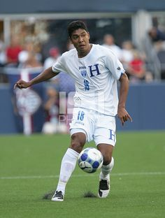 Melvin Valladares dribbles the ball. Honduras defeated Haiti 1-0 during the First Round of the 2009 CONCACAF Gold Cup at Qwest Field in Seattle, Washington on July 4, 2009.