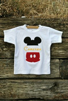 Mickey mouse split name shirt for boys. by hootnhollarclothing decoração fe Camisa Do Mickey Mouse, Mickey Mouse Shirts, Mickey Y Minnie, Mickey Party, Minnie Mouse, Mickey Mouse Birthday Shirt, Mickey Shirt, Mickey Mouse Clubhouse, Birthday Shirts