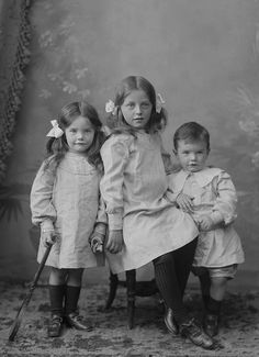 +~+~ Antique Photograph ~+~+  Siblings ~ 27 septembre 1905, Tipperary, Irlande