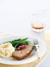 Ricardo& recipe: Clemence's Meatloaf Gourmet Recipes, My Recipes, Beef Recipes, Dinner Recipes, Cooking Recipes, Gluten Free Meatloaf, Meatloaf Recipes, Healthy Tips, Healthy Eating