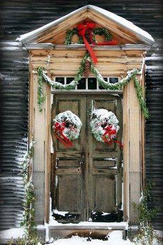 Rustic Christmas decor-welcome home!