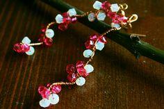 Inspired by spring flowers. Cristal Earrings by LaLumière. Bahar Dalı küpeler. Büyük Boy, Pembe-Beyaz 85TL