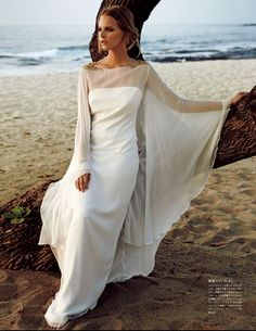 Marloes Horst Plays a Blushing Bride for Vogue Japan Wedding Special - Fashion Gone Rogue: The Latest in Editorials and Campaigns Vogue Japan, Estilo Glamour, Vogue Wedding, Dress Vestidos, Perfect Bride, Bridal Gowns, Wedding Dresses, Marie Claire, Gowns With Sleeves