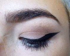 Winged Eyeliner For Hooded Eyes Giftorial