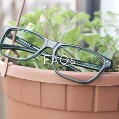 Buy handmade prescription eyewear online from ?125, including all the extras! Unique glasses for women and men. Designed in London, handcrafted in Italy. #prescriptionglasses https://www.chakshu.co.uk/