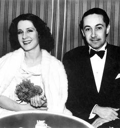 Norma Shearer Photos, News and Videos, Trivia and Quotes - FamousFix Old Hollywood Movies, Hollywood Party, Hollywood Icons, Golden Age Of Hollywood, Classic Hollywood, Irving Thalberg, Four Movie, Norma Shearer, Famous Couples