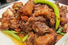 Binagoongang Baboy (Pork in Shrimp Paste) Pinoy Food, Filipino Food, Filipino Recipes, Philippine Cuisine, Shrimp Paste, Taste Of Home, Pork Dishes, Pork Recipes