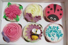 Cupcakes de flores y bichitos