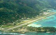 #Flughafen #Seychellen auf #Mahe, Start und Landebahn. --- International Airport Seychelles on Mahé.