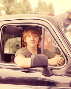 Rupert Grint plays Ron Weasley in Harry Potter Ron Weasley, Must Be A Weasley, Ron And Hermione, Harry James Potter, Harry Potter Characters, Narnia, Hogwarts, Yer A Wizard Harry, Rupert Grint