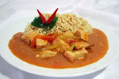 Kurací perkelt Czech Recipes, Old Recipes, Ethnic Recipes, Yummy Recipes, Goulash, Thai Red Curry, Entrees, Main Dishes, Yummy Food