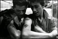 vintage everyday: Black and White Photos of Teenage Gangs of NYC in 1959