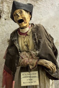 Other mummies, like this one in the Palermo Catacombs in Sicily, are dressed as they would have been in life. Many of the mummies in Sicily are of everyday people and clergy members instead of saints and rulers, so we get to see a more authentic glimpse of the past.