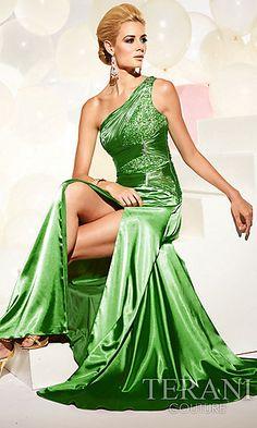 Regal green dress. Perfect for the Emerald Sorceress.