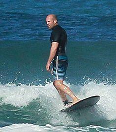Jason Statham Photos Photos: Jason Statham Surfs in Hawaii Hollywood Actor, Hollywood Celebrities, Lorde, Jason Stathom, Handsome Rob, Frank Martin, Hawaii Surf, The Expendables, Surfs